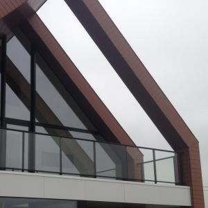 terras afsluiting in aluminium met glas